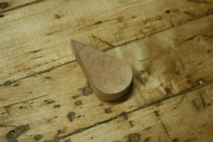 how to make a wood pendant necklace