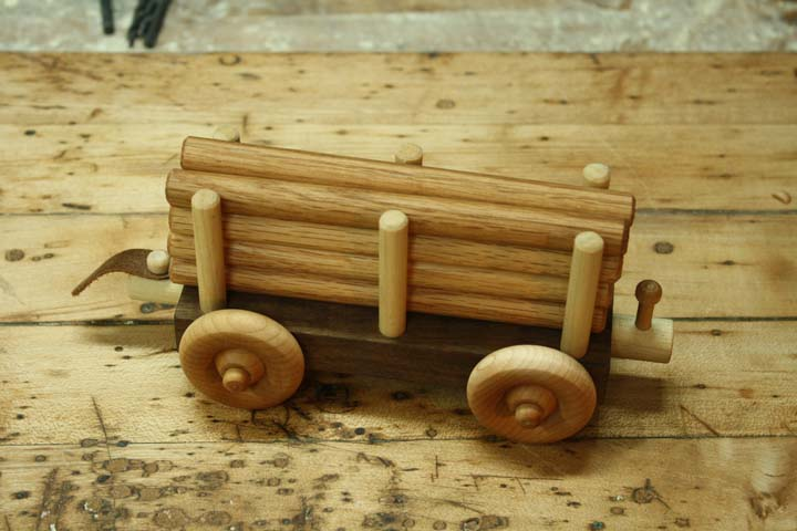 how to make a wooden train log car