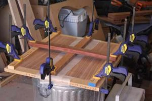 How-to-Make-an-Acoustic-Guitar-Series-gluing-the-plates-on-the-baton-press