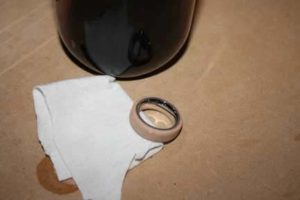 15-Huge-Tips-on-How-to-Make-a-DIY-Wood-Ring-staining-the-ring